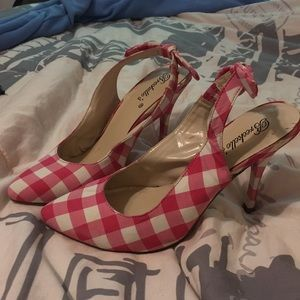 Pink Gingham Shoes With Bows